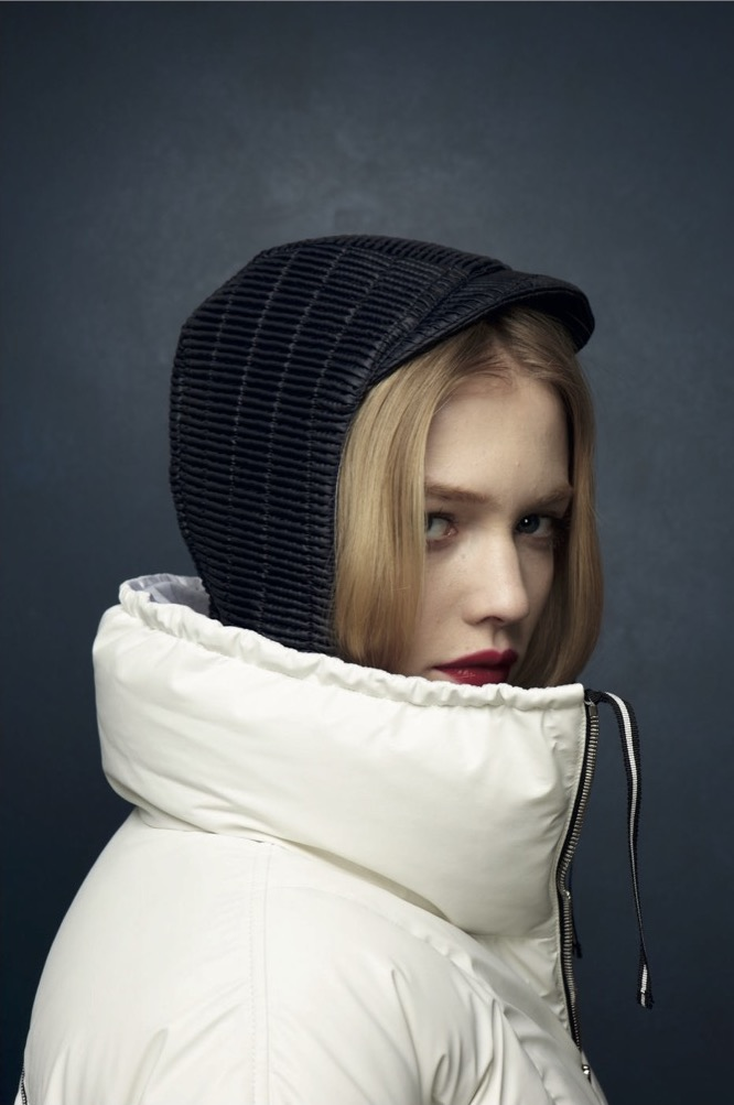 Female gaze in Outdoor and Fashion